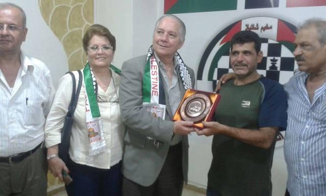 سفير كوبا في لبنان يزور مخيم شاتيلا