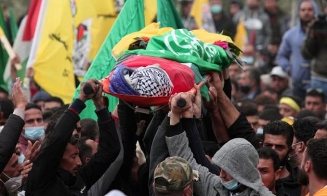 رام الله: الآلاف يشيعون جثمان الشهيد الطفل علي أبو عليا