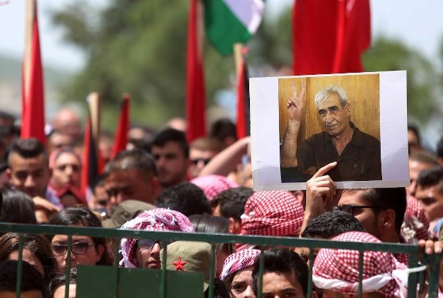 أمين عام حركة أنصار الله المقاومة الإسلامية يهنئ القائد أحمد سعدات بمناسبة ذكرى الانطلاقة
