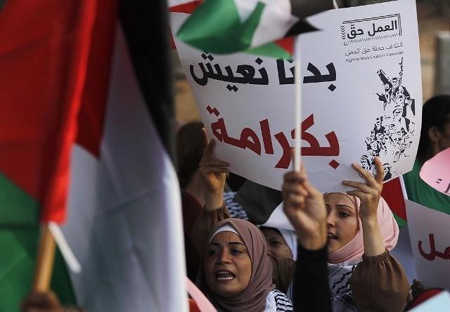 اتحاد نقابات العمال في لبنان يدين الهجمة ضد العمال الفلسطينيين