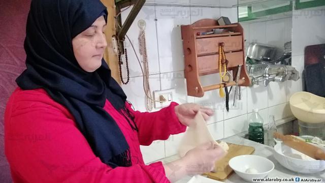 صديقة حجير: لاجئة فلسطينية تعدّ الرقائق لإعالة أسرتها