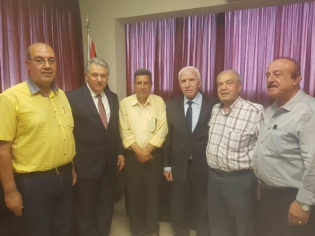 وفد من لجنة العمل النقابي للجبهة الشعبية لتحرير فلسطين يلتقي السفير أشرف دبور