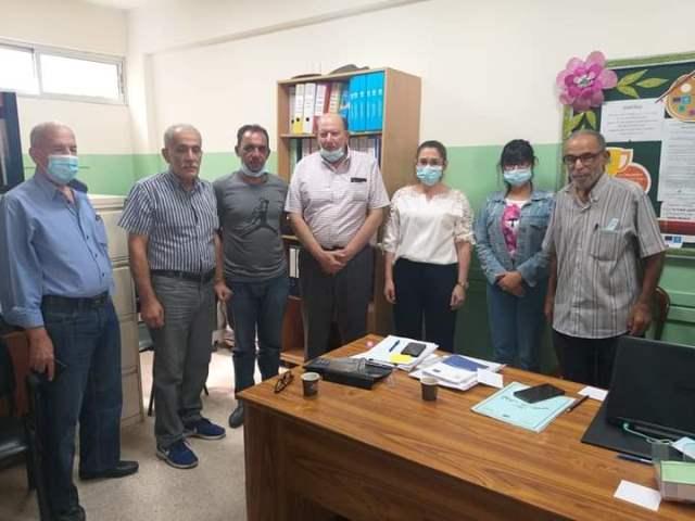 وفد من اللجنة الشعبية في مخيم المية ومية زار مدرسة عسقلان في المخيم