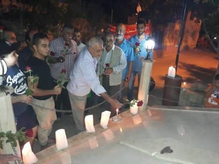 اللجان العمالية في منطقة صيدا تضيء الشموع أمام النصب التذكاري لشهداء الجبهة