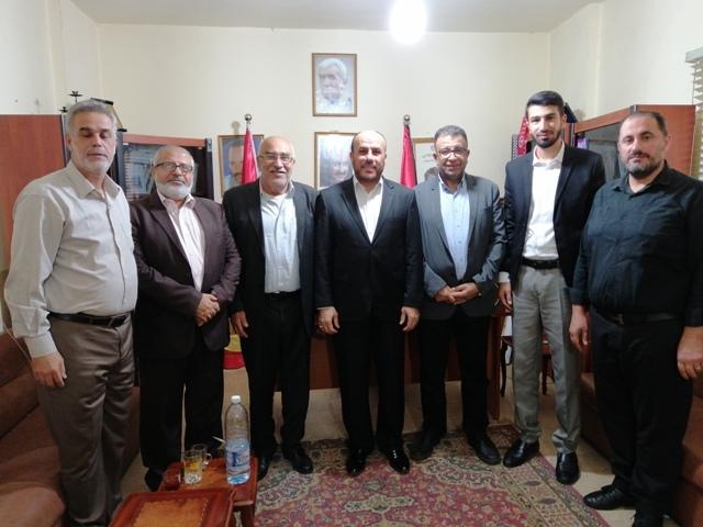 الشعبية تستقبل وفدًا من حماس في مكتبها بيروت