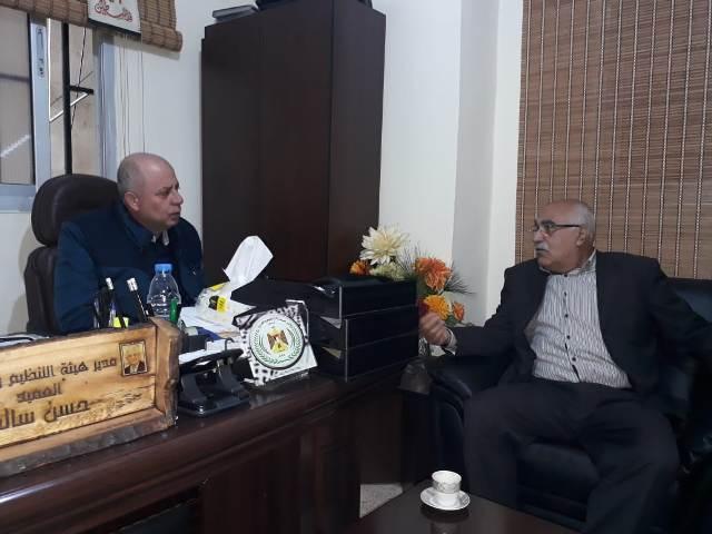 الشعبية تلتقي مدير هيئة التنظيم والإدارة العميد حسن سالم