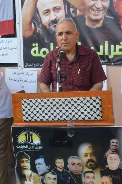 الأسير المحرر المبعد أحمد أبو السعود زار خيمتي التضامن مع الأسرى في مخيمي البص والبرج الشمالي .
