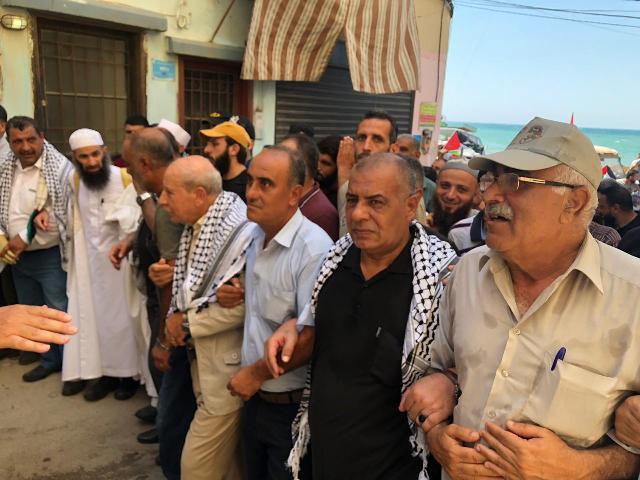 مسيرة جماهرية في مخيم نهر البارد رفضًا لإجراءات وزارة العمل بحق الشعب الفلسطيني