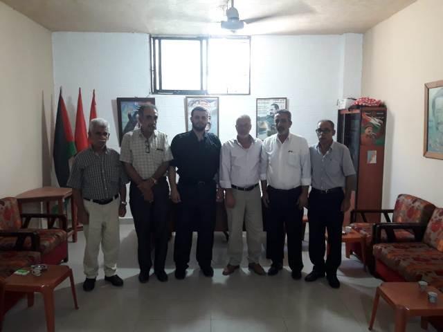 وفد من حركة المقاومة الإسلامية( حماس) يزور مكتب الشعبية في مخيم عين الحلوة