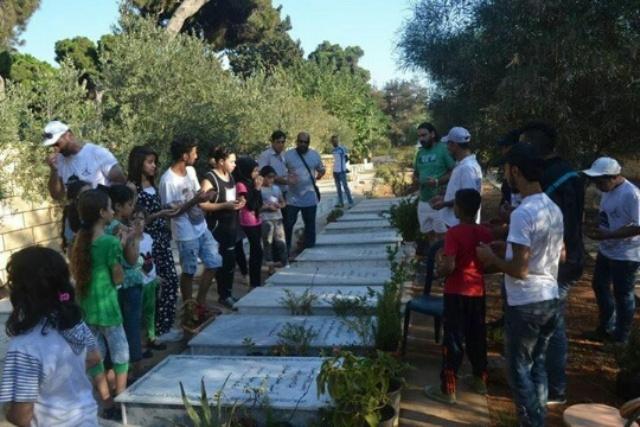 بدعوة من جمعية أحلام لاجئ ومركز الولاء للتنمية يوم نطافة لمثوى شهداء الثورة الفلسطينية
