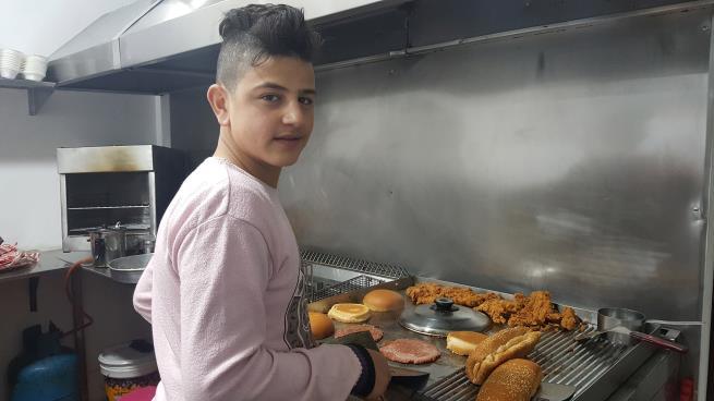 أحمد فاتح الذي أحب المدرسة وخسرها