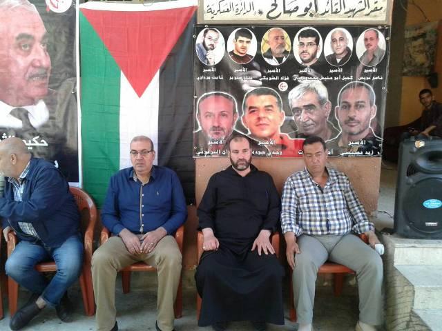 بالصور افتتاح خيمة التّضامن مع الأسرى المضربين عن الطعام في مخيم عين الحلوة