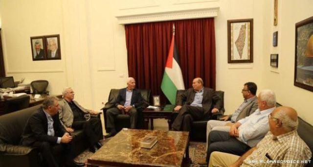 الأحمد يلتقي وفداً من  قيادة الجبهة الشعبية في بيروت