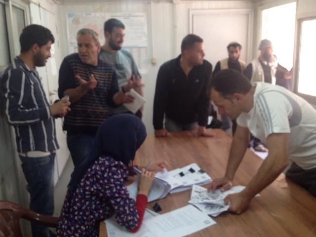 الهيئة الأهلية في مخيم نهر البارد تسلم الرزمة الرابعة
