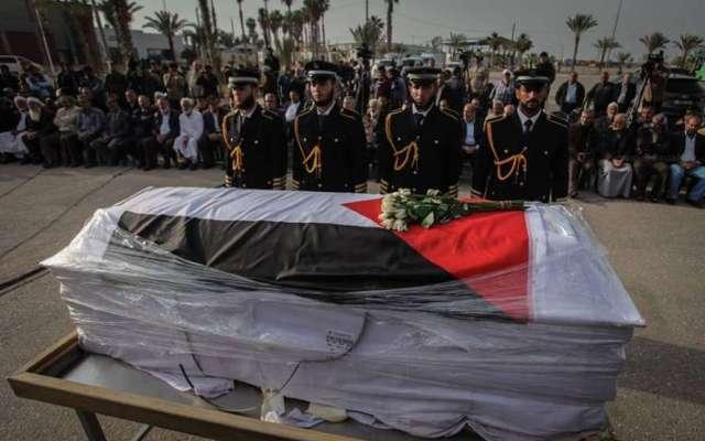 غزة: الآلاف يشيعون جثمان العالم الفلسطيني فادي البطش