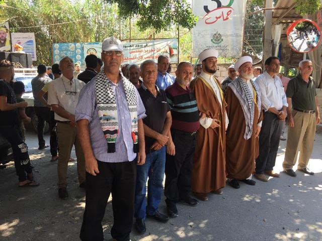 مخيمات صور تواصل تحركاتها الجماهيرية احتجاجاً على قرار وزير العمل اللبناني