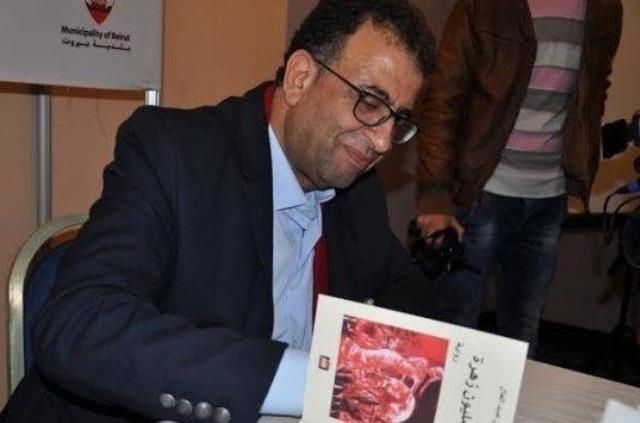 بعد تلقيه خبر فوزه بجائزة القدس للثقافة، عبد العال : أعتبرها وساماً على صدر المخيم