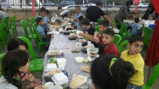 إفطار لأهالي مخيم شاتيلا