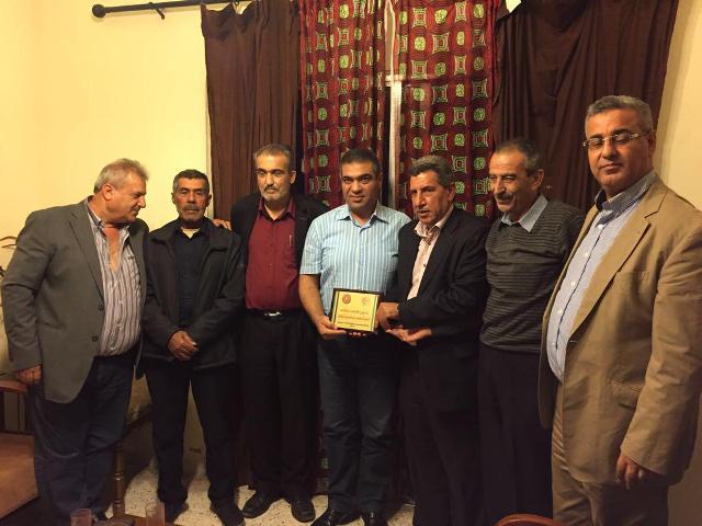 لجنة الأسرى والمحررين في الجبهة الشعبية لتحرير فلسطين تكرم الأسير المحرر داود فرج