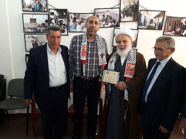 وفد من لجنة الأسرى في الجبهة الشعبية لتحرير فلسطين يلتقي معاون رئيس المجلس التنفيذي لحزب الله سماحة الشيخ عبد الكريم عبيد