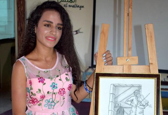 آية شناعة: أحلم بأن أصير رسامة مشهورة في المستقبل- عبد الكريم الأحمد