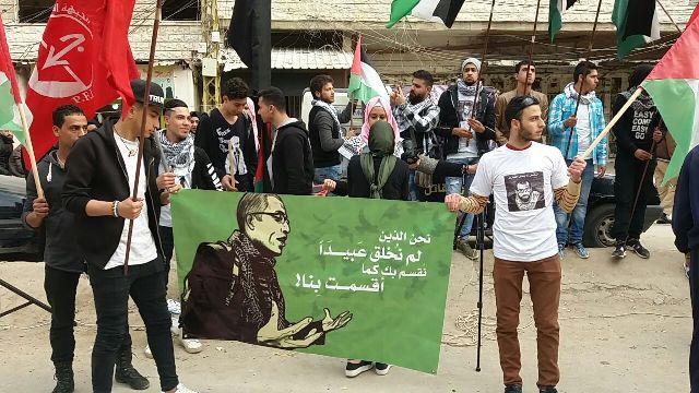 منظمة الشبيبة الفلسطينية في مخيم نهر البارد ترفع الستار عن النصب التذكاري للشهيد باسل الأعرج
