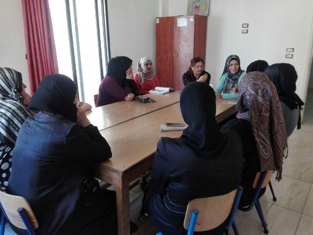 لجان المرأة الشعبية الفلسطينية في مخيم نهر البارد تقيم ندوة صحية