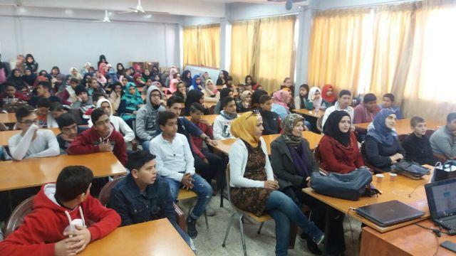 الملتقى الأدبي الثقافي الفلسطيني يحاضر لطلاب المدارس عن مشروع تنمية المواهب - نهر البارد