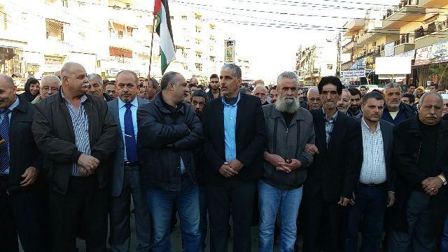 آلاف الغاضبين من أهالي مخيم نهر البارد يخرجون بتظاهرة كبيرة نصرة للقدس، ووقفة تضامنية في بلدة المنية