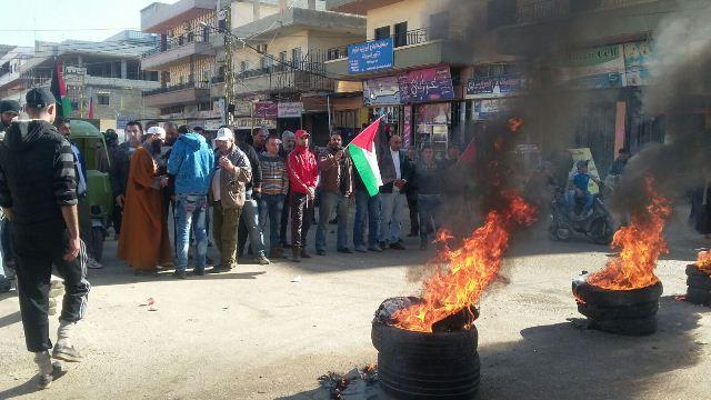 المدير العام للأنروا يزور البارد خلسة واحتجاجات في المخيم