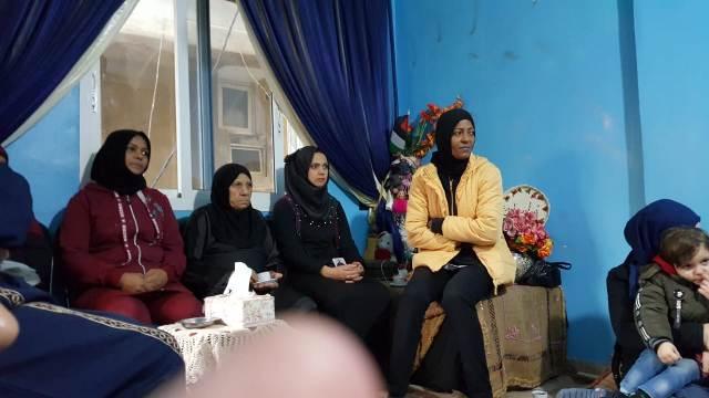 لجان المرأة الشعبية الفلسطينية في البداوي تقيم ندوة سياسية