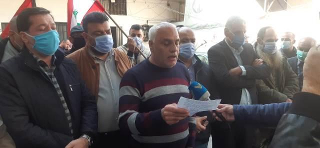 الشعبية ولجان العمل في المخيمات تنظمان وقفة في مخيم البداوي في يوم التضامن العالمي مع الشعب الفلسطيني
