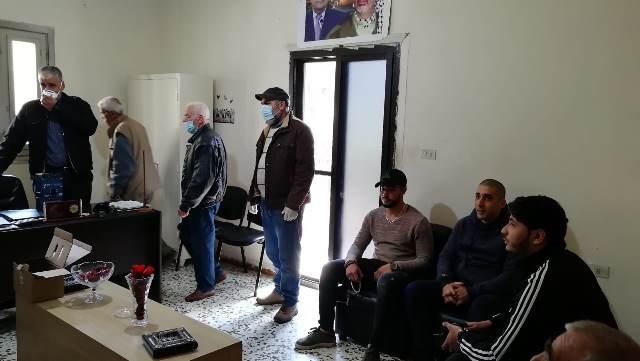 دائرة شؤون اللاجئين تقدم دجنتير كهرباء لمخيم البداوي