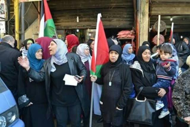 الحراك الفلسطيني ضد قرارات الأنروا مخيمات بيروت تعتصم رفضاً واستنكاراً