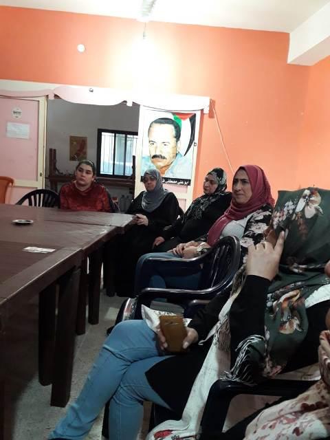 لجان المرأة الفلسطينية تقيم ندوه في مخيم البرج الشمالي