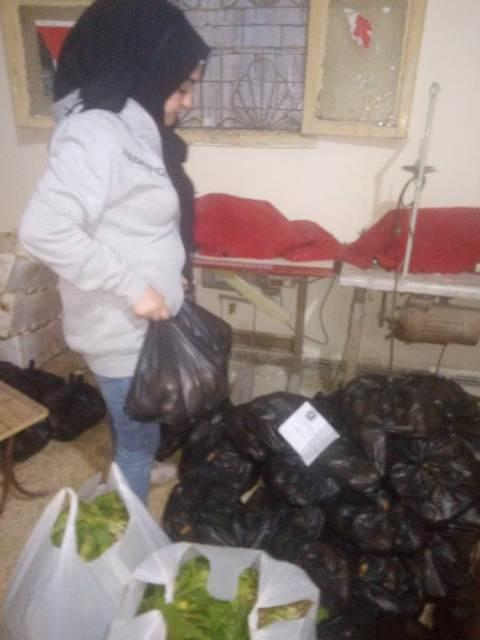 لجنة العمل الاجتماعي في الجبهة الشعبية وبيروت ولجان المرأة الشعبية الفلسطينية في مخيم برج البراجنة توزع حصصًا غذائية