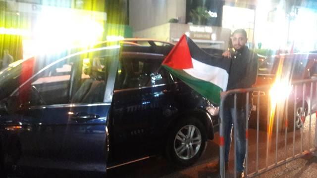 مسيرة سيارة في بيروت احتفاء بنصر غزة