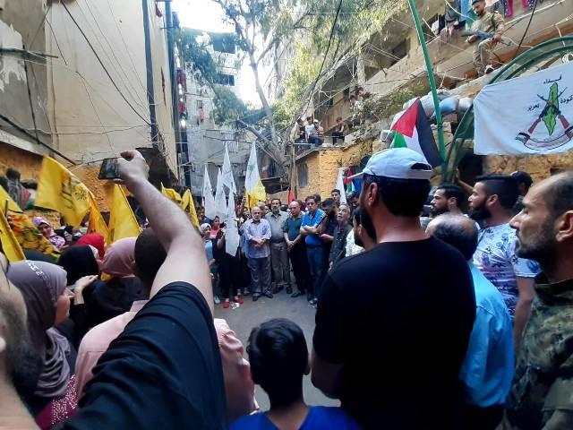 الجبهة الشعبية لتحرير فلسطين تشارك القيادة العامة بيوم شهيدها بزيارة اضرحة الشهداء