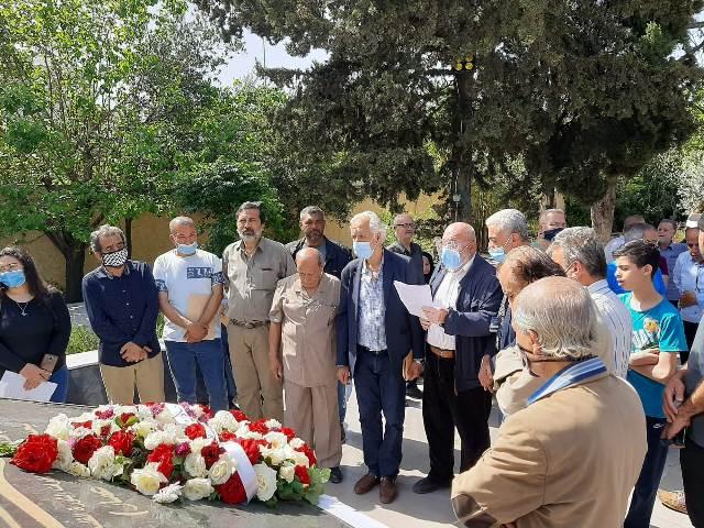 الاتحاد العام لعمال فلسطين يزور مقبرة شهداء الثورة ويضع إكليلًا من الزهر