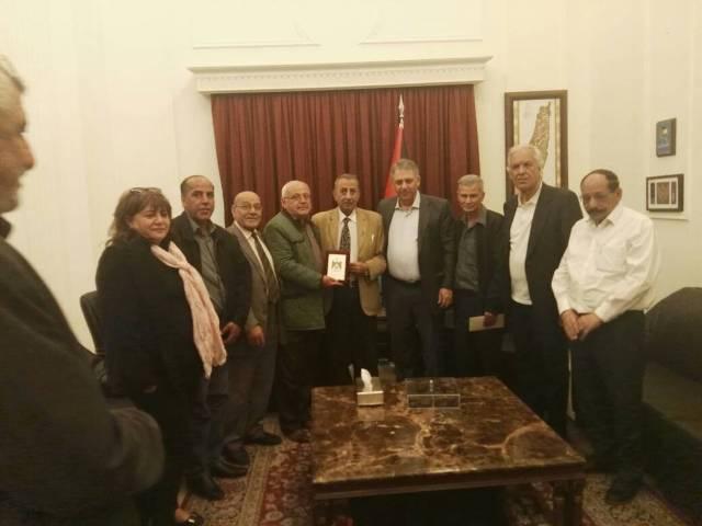 وفد من اتحاد نقابات عمال فلسطين يزور سعادة سفير دولة فلسطين في لبنان