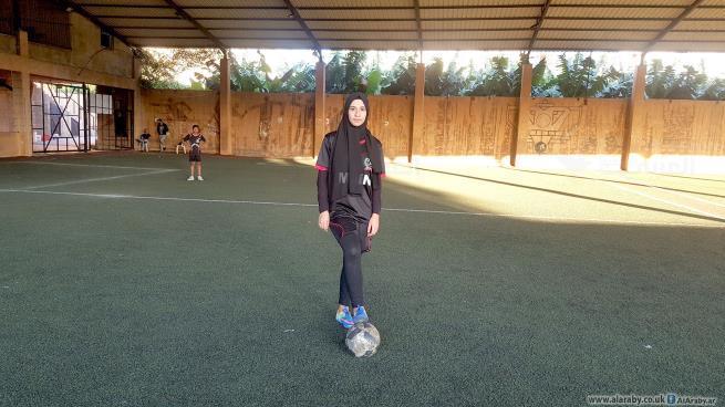 دنيا طحيبش تحلم أن تصير لاعبة كرة قدم