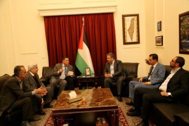 دبور يستقبل رابطة اطباء الاسنان الفلسطينيين
