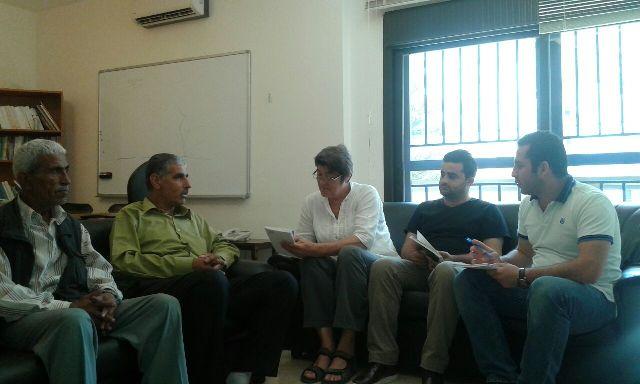 وفد من اللجان الشعبية يزور مكتب الصليب الأحمر الدولي في طرابلس ويطلب المساعدة في حل أزمة الكهرباء في مخيم البداوي .