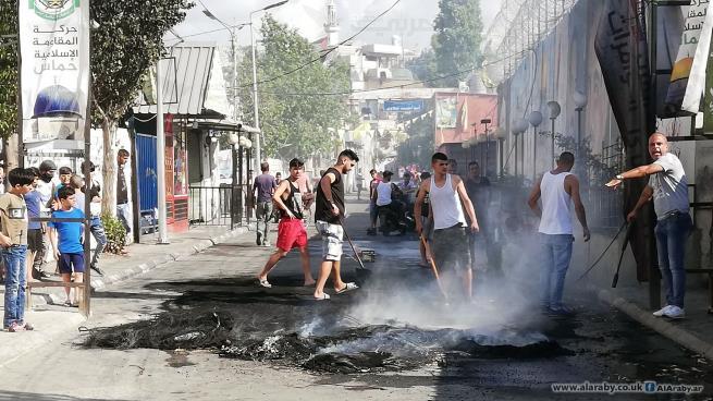 الفلسطينيون يحتجون في مخيمات لبنان