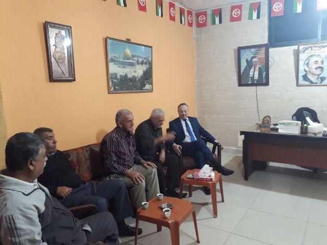 وفد من آل رباح زار مكتب الجبهة الشعبية في مخيم عين الحلوة