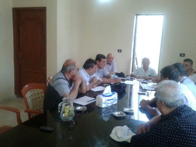 اجتماع في مقر اللجنة الشعبية