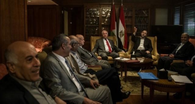 فتح وحماس توصلتا إلى اتفاق للمصالحة برعاية مصريّة