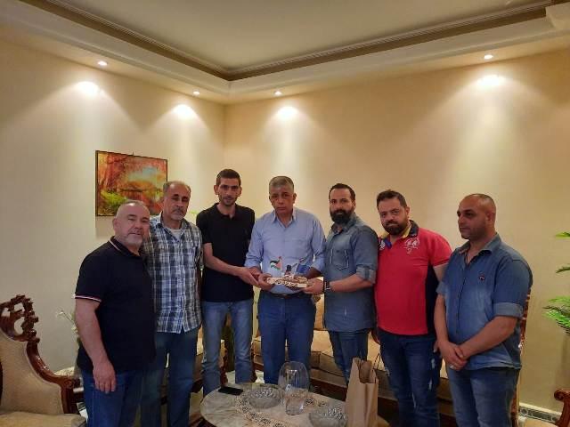 مجلس إدارة برنامج صرخة من المخيم  تكرم مسؤول لجنة العمل الاجتماعي للجبهة الشعبية لتحرير فلسطين في لبنان