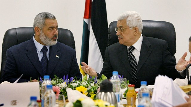 الرئيس عباس يدعو فتح وحماس والجهاد وفصائل منظمة التحرير للعودة إلى الحوار فورا لإنهاء الانقسام