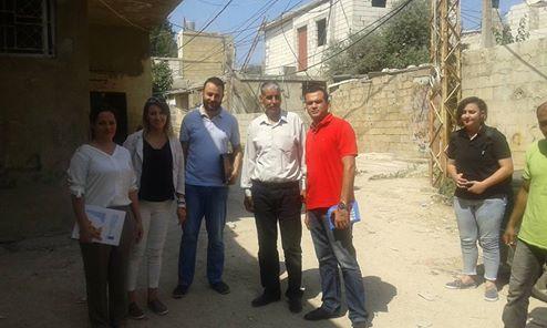 منظمة UNDP واللجان الشعبية تتفقدان منازل الفلسطينيين في تلة المنكوبين.